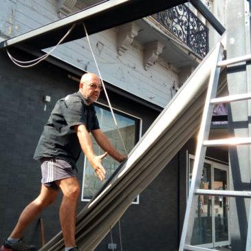 Sacré ce Dimanche !!! Démolition Recyclage – Tri d'une Véranda d'un Hôtel Terminus à Perpignan 66